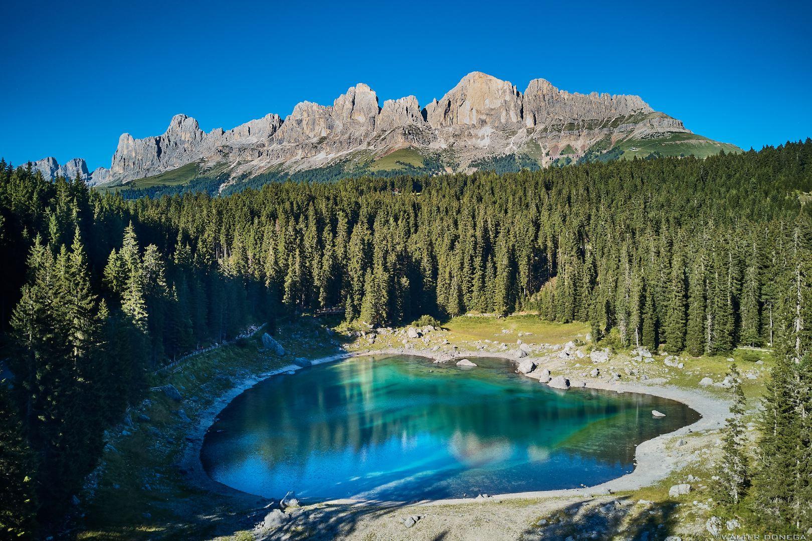 Nuovo fotoalbum: sopra il lago di Carezza con il drone