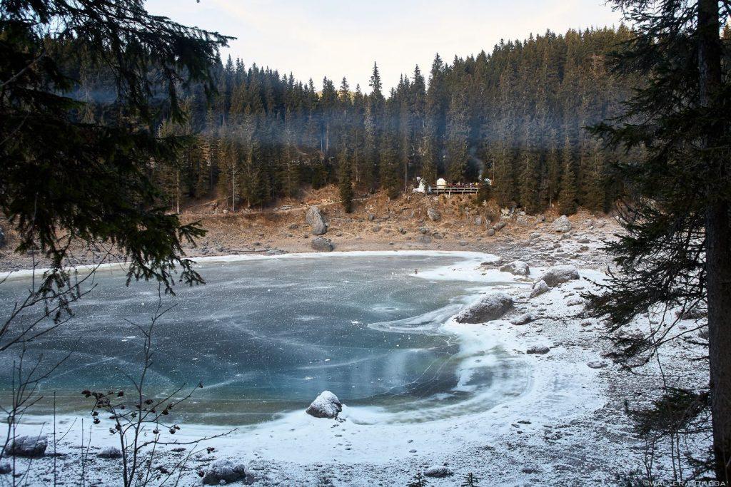 Nuovo foto racconto: Il mercatino di Natale al lago di Carezza